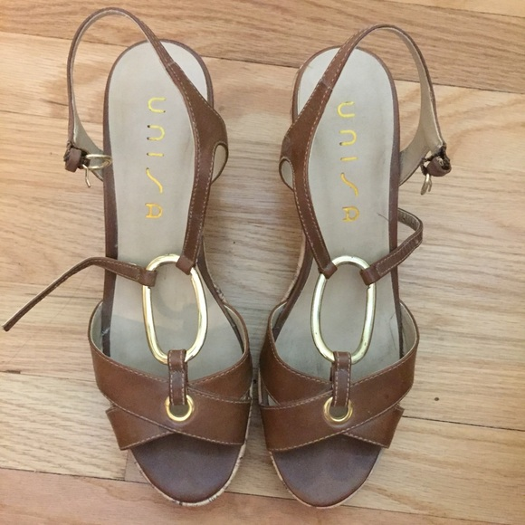 02761c8e0acb Unisa light brown and gold wedge size 9.5